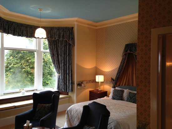 Rosehall Guest House: Spacious room at Rosehall