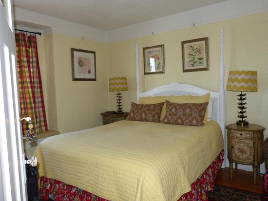 Fisher House Bed and Breakfast: Our Bedroom