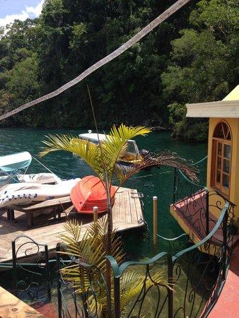 Kaalpul Atitlan Eco Hotel & Spa : Canoe, Paddleboat