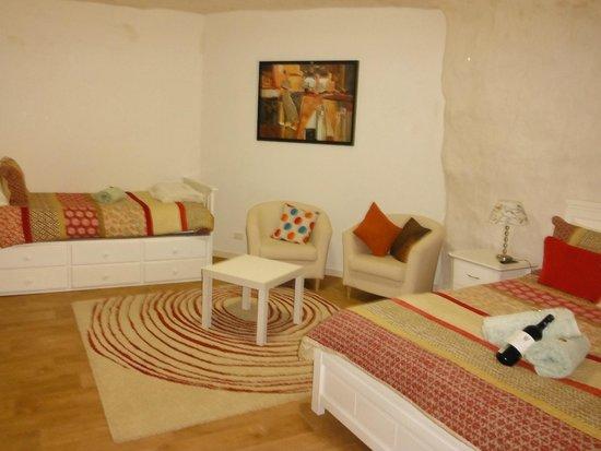 Underground Bed & Breakfast 사진