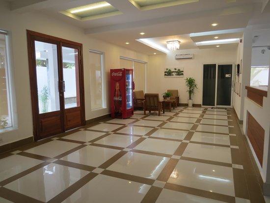Lobby picture of samrach boutique hotel phnom penh for Best boutique hotels phnom penh