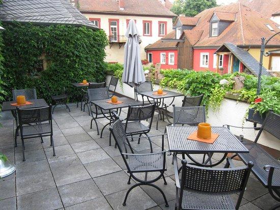 Hotel Weingut Meintzinger : Outdoor balcony area