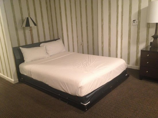 Kimpton Topaz Hotel: Murphy bed