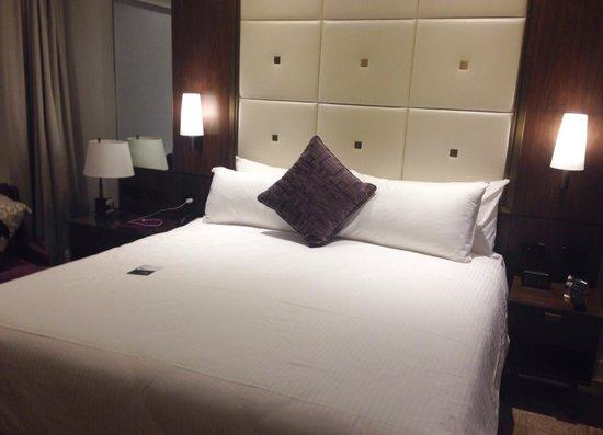 Amora Hotel Jamison Sydney: King Bed