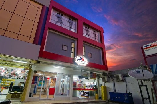 CX Hostel Kuta Raya
