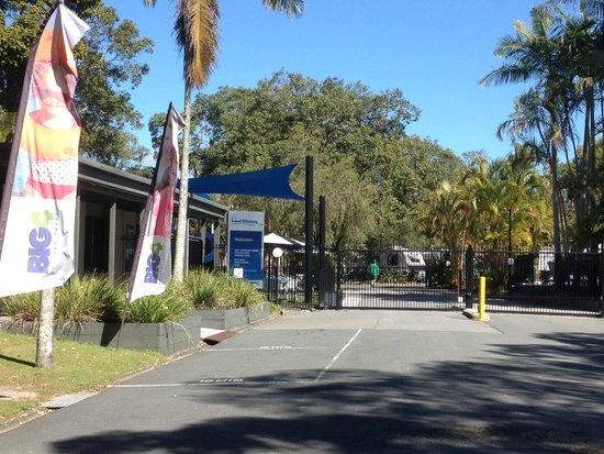 BIG4 Tweed Billabong Holiday Park: Entry to park