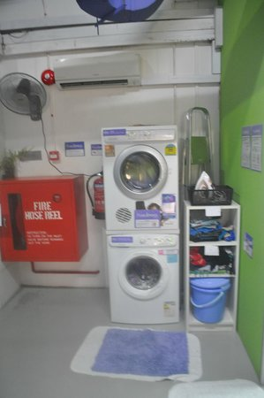 Five Stones Hostel: Washing machines