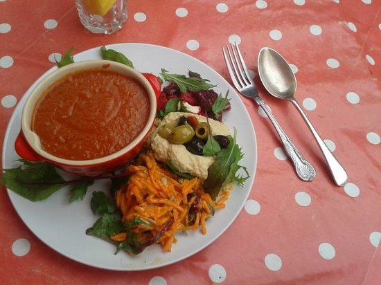 Buttercup cafe: delicious tomato soup with a cheeky salad