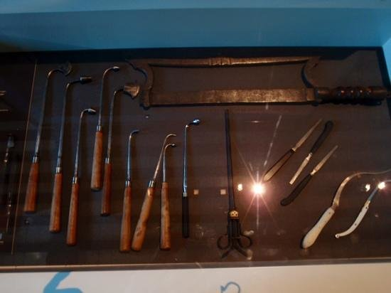 Sint-Janshospitaal : some medical instruments used for cauterizing and amputations