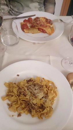 Drogheria della Rosa : Pasta: Aubergine ravioli, Tagliatelli al Ragu