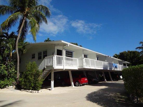 Pines and Palms Resort : Ocean View One Bedroom