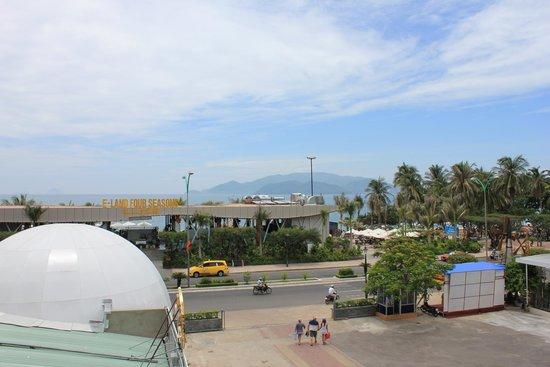 Tropicana Hotel: Вид с балкона