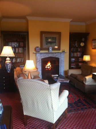 Aherne's Townhouse Hotel Youghal : Cosy and comfortable Drawing Room