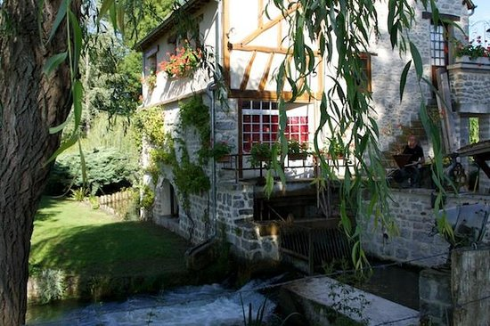 Moulin des Chennevieres: Old mill