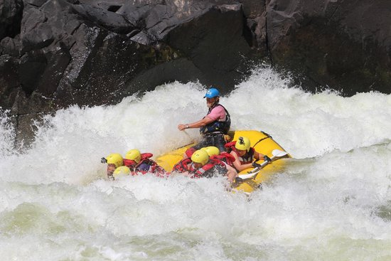 Safpar Rafting Company : White water in Zambia