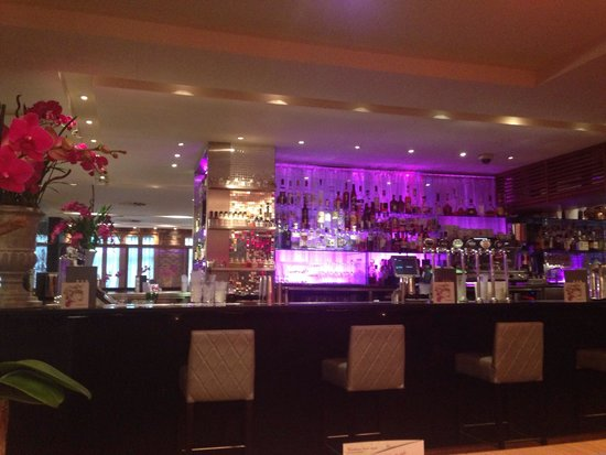 Tigerlily Hotel: Lovely Bar area