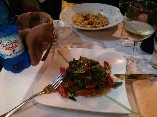 Angolo Masuccio : Primo di mare, e secondo vegetariano con scamorza di bufala alla piastra - che bontà!