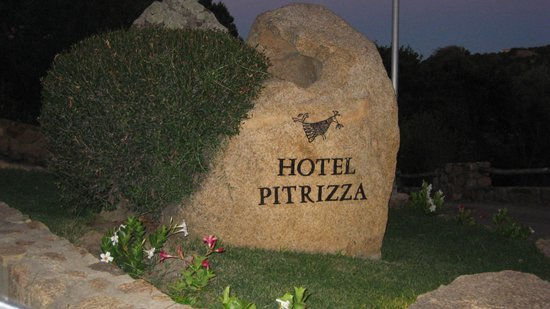 Hotel Pitrizza, a Luxury Collection Hotel: Stone at the Entrance