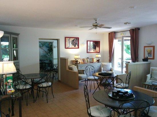 Hotel l'Amandiere : Sitting room