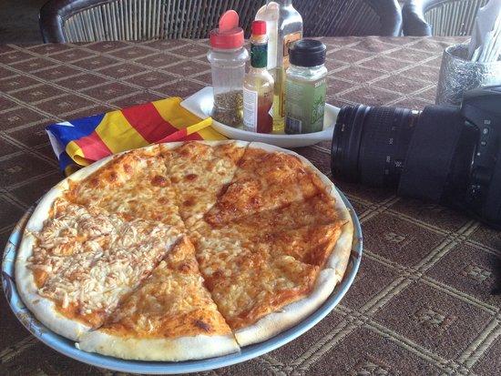 Om Shiva Buffet : Pizza amb 4 formatges!! Molt bona!!!