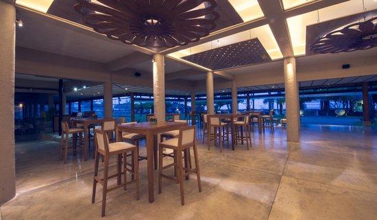 Ranweli Holiday Village: Bar