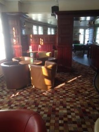 Quality Hotel & Leisure Stoke on Trent: The Bar Area