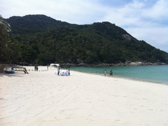 Bottle Beach. White Sand. Surrounded by Cliffs. Like a bay. Snorkeling