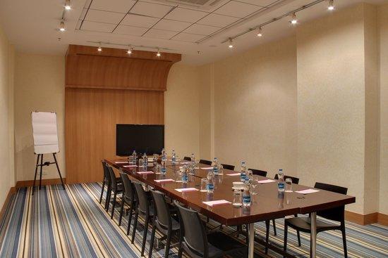 Aloft Ahmedabad SG Road: Tactic - Meeting Room