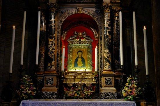 Basílica de San Marcos: Madonna Nicopeia at St. Peter's chapel
