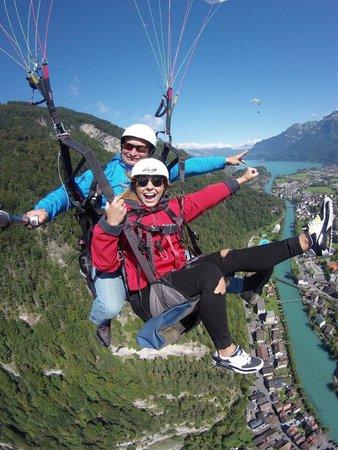 AlpinAir Paragliding: ''fly like a superwoman'' ;)
