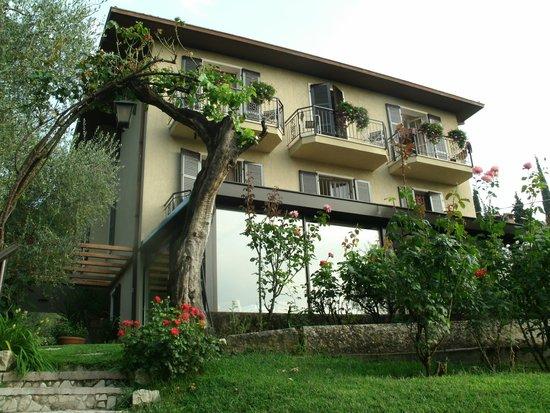 Hotel Degli Olivi: Frontseite des Hotels