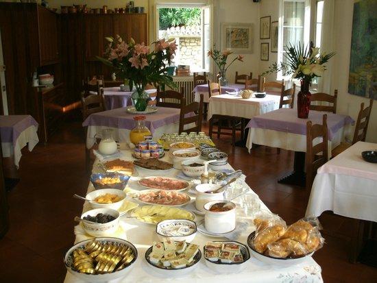 Hotel Degli Olivi: Frühstücksbuffet