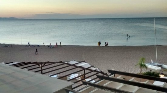 Noguera Mar Hotel: Beach from room at dusk