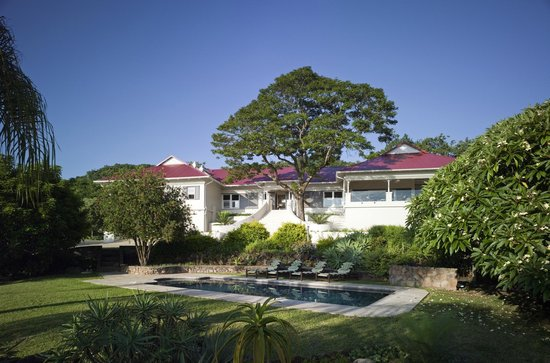 umSisi House: view from the garden
