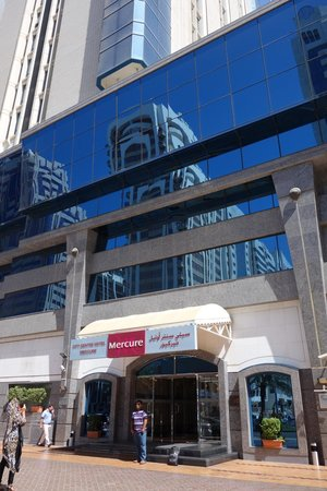 Mercure Abu Dhabi Centre Hotel: outlook
