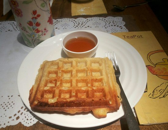Teapot Cafe : Waffles.. disappointed