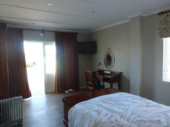 Villa Beryl Guesthouse: Intero camera (dependance)