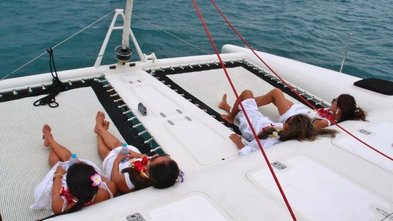 DaVinci Yacht Charter: relaxing outside