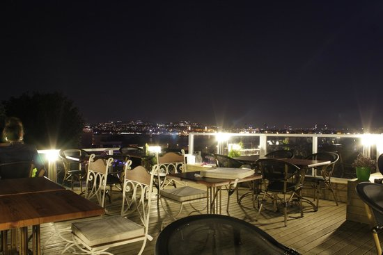 Sofa Cafe & Restaurant : Our Terrace
