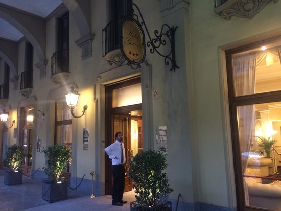 Best Western Plus Hotel Genova : Customer service is a 10!!!  Super friendly here!!!