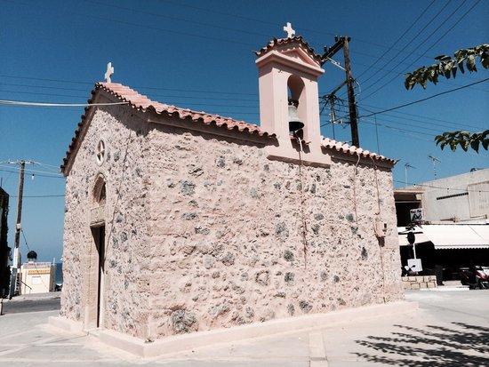 Stefania Apartments: The beautiful church in the square outside the Stefania Studios..