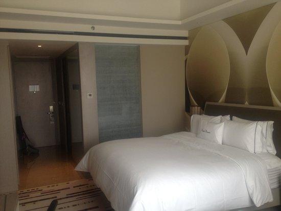DoubleTree by Hilton Hotel Jakarta - Diponegoro: Single room