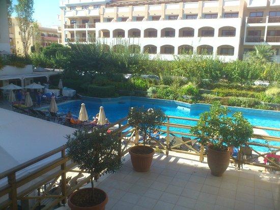 Theartemis Palace Hotel: piscine