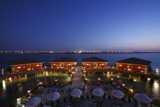 Ocean Blue Marina Hotel & Resort: Ocean