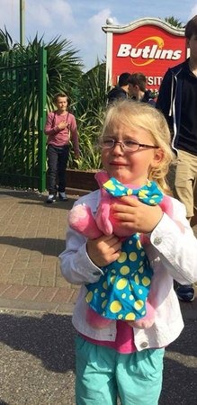 Butlin's Bognor Regis Resort: 4 year old Maisy crying after being rudely refused access