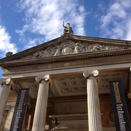 Ashmolean Museum of Art and Archaeology: A