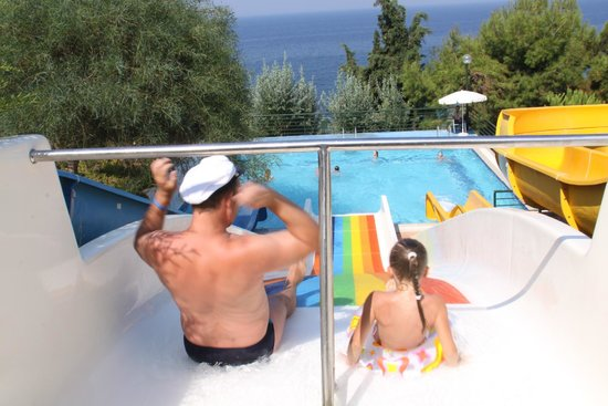 Sealight Resort Hotel: aqua slide