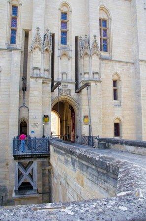 Château de Vincennes : Entrance to the chateau