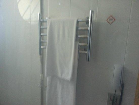 Grande Hotel Campos do Jordao: Aquecimento para toalhas