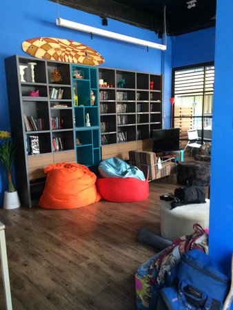 Fin Hostel Phuket: Common area